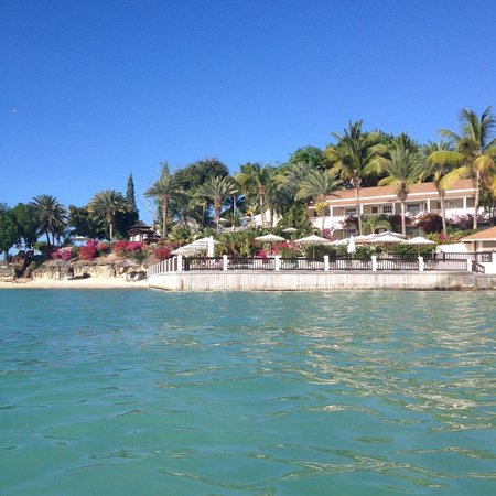 Blue Waters Antigua : resort view