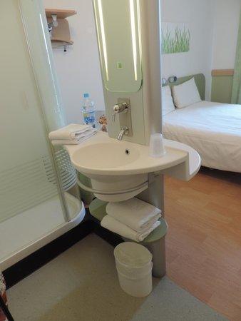 Hotel Ibis Budget Brugge Centrum Station : lavatório