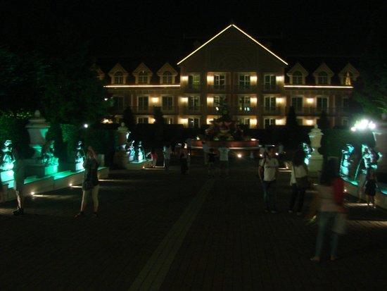 Gardaland Hotel : Di sera