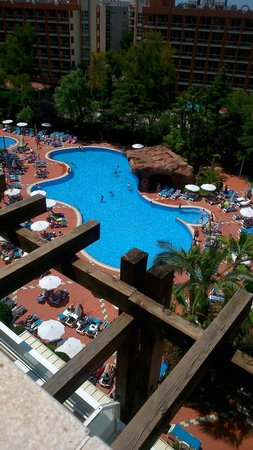 H10 Salauris Palace: View of pool