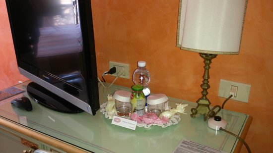 Hotel Firenze: cesta de bienvenida