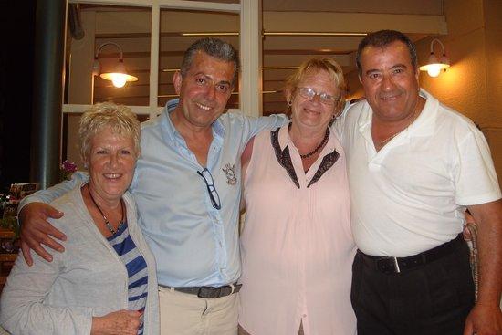 Nisos Restaurant: Wonderfull hosts.