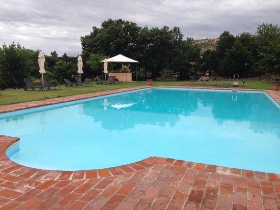 Relais Villa Baldelli: Бассейн