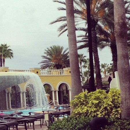 Hilton Grand Vacations at Tuscany Village : the main pool area