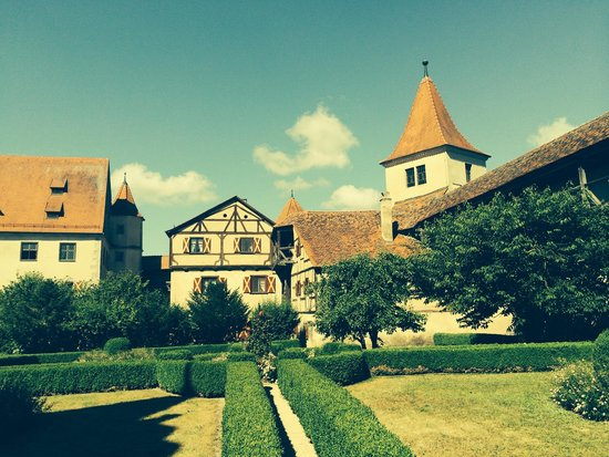 Grayline Day Tours: Romantic Road: Rothenburg and Harburg