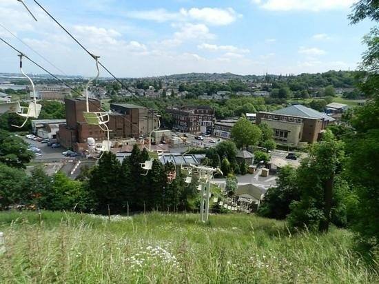 Dudley Zoo and Castle : Chairlift