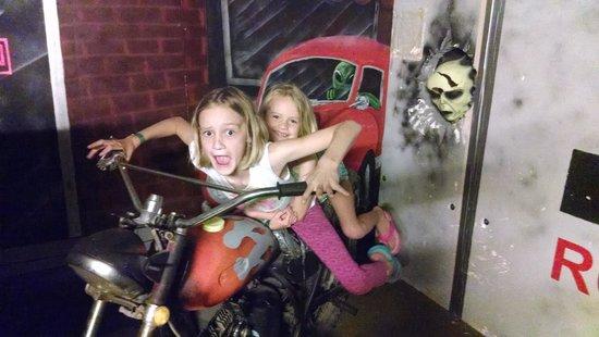 Alien Zone Area 51: Chased by Aliens!