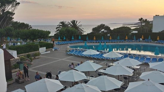 Hotel Stil Victoria Playa: Evening shot of Pool area #lovely