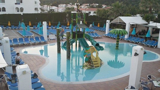 Hotel Stil Victoria Playa: Evening shot of splash pool :)