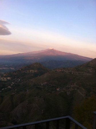 Hotel Panorama Di Sicilia: view from the balcony to Mount Etna