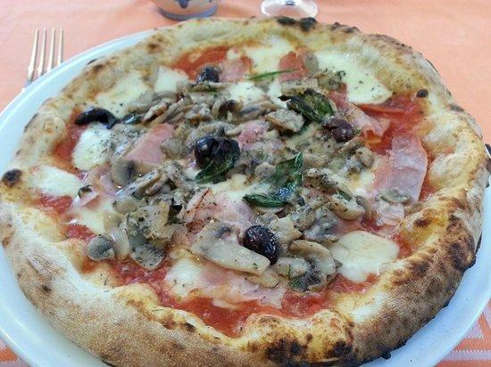 Ettore : Pizza capricciosa