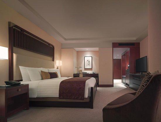 Shangri-La Hotel Toronto: Deluxe King Room