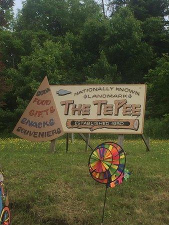 Tepee Pete's Chow Wagon: Tepee