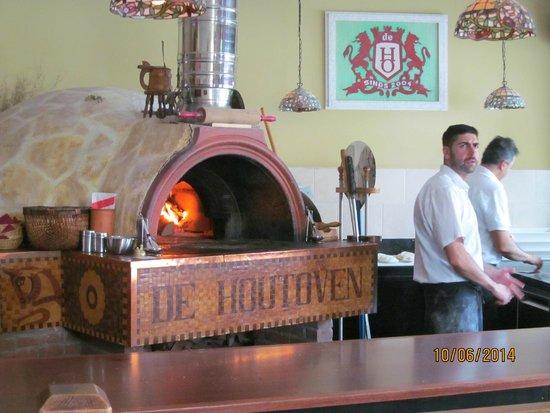 De Houtoven: Внутри ресторана.