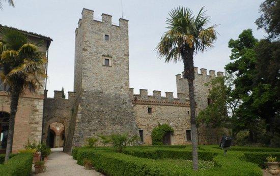 Castello di Modanella: Uno scorcio del castello