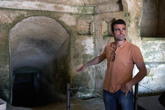 B&B Sassolino : Antonio Manicone-our guide