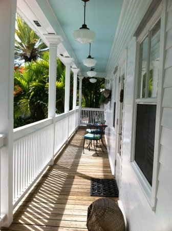 Casa 325: porch - shared