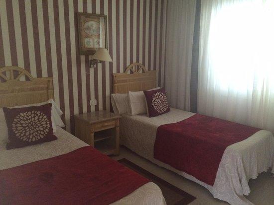 Green Garden Resort & Suites: Bedroom 2 room 5. Immaculate. Large wardrobe space too.