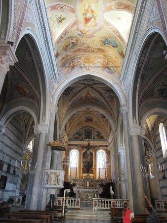 Chiesa di San Pietro: The interior
