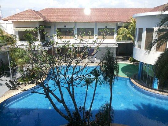 Crystal Clear Swimming Pool Foto Rattan Inn Banjarmasin Tripadvisor
