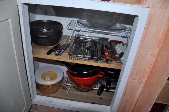 Le Home: Well equipped cupboard
