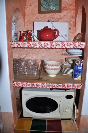Le Home: Even a tea pot! Just what was needed