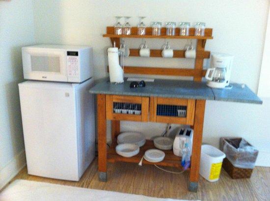 Casa 325: small kitchenette area
