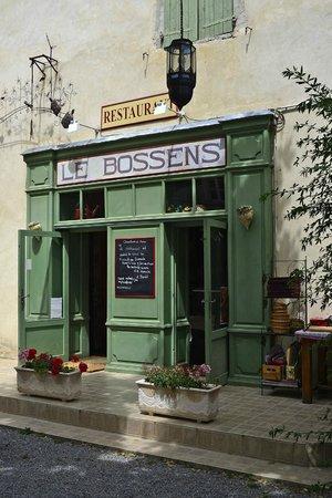 LE BOSSENS: Facade de ce charmant restaurant