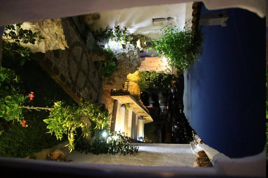 Dar Echchaouen : vue d'une des fenêtre de la chambre
