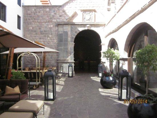 JW Marriott El Convento Cusco : acceso hotel