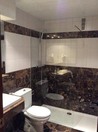 Hotel Balmes : Bathroom