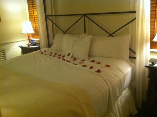 Old Edwards Inn and Spa: Bed in Luxury Suite