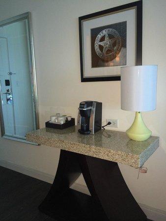 Hotel Indigo Waco - Baylor : Keurig coffeemaker!