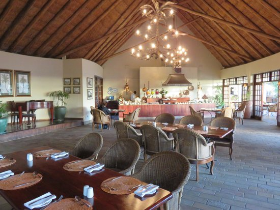 Ilala Lodge: The dining room of the lodge.