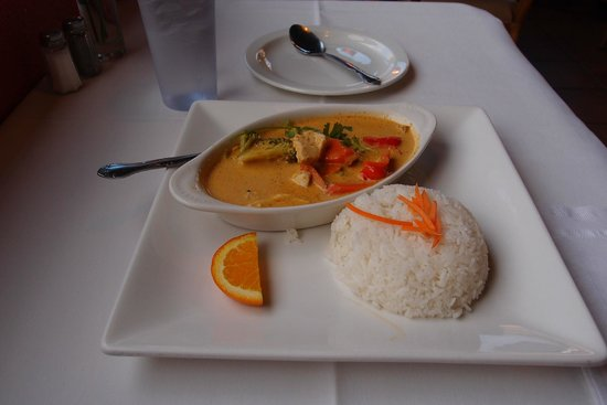 Thai Sapa: My Yellow Curry w/Chicken