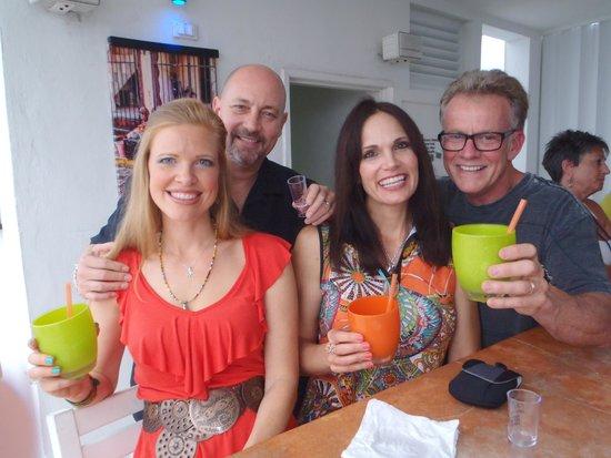 Casa Sirena Hotel: Happy Hour Happiness!