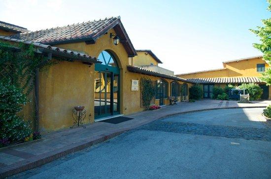 Hotel Selva Candida : Вход