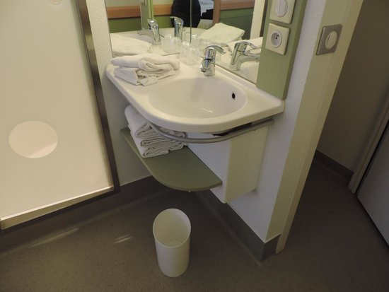 Ibis Budget Antwerpen City Central Station : lavatório