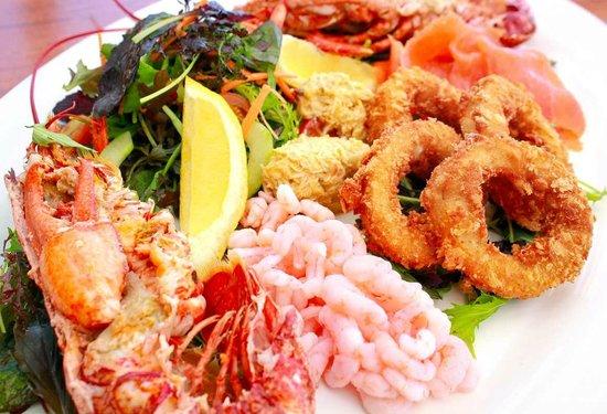 The Ocean Deck Bar & Restaurant: Sharing seafood plate