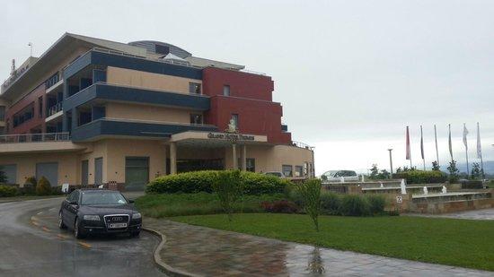 Primus Grand Hotel: Entrance Hotel