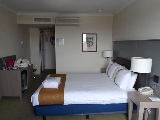 Holiday Inn Hull Marina: the room