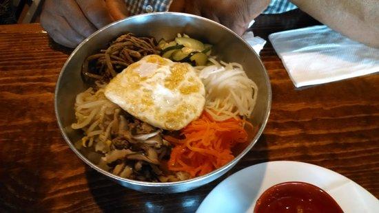 Seoul Korean Cuisine : regular bibimbap