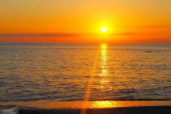 Il magico tramonto foto di chiosco bar pirati dei for Disegni di case dei caraibi