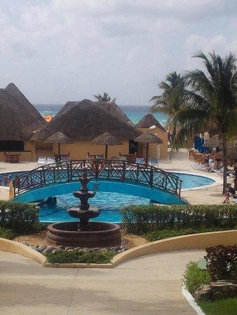 Allegro Playacar : view of quiet pool