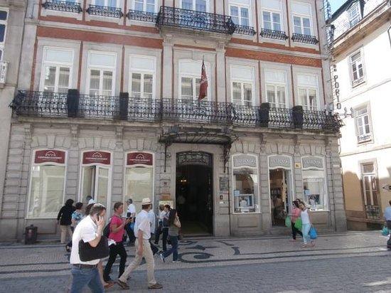 Grande Hotel Do Porto: Façade de l'entrée de l'Hôtel