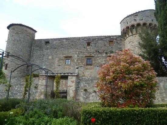 Castello di Meleto : CASTELLO VISTA DAL RETRO