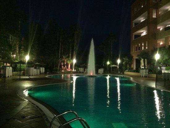 H10 Mediterranean Village : Evening poolside