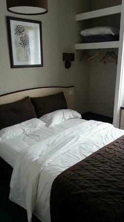 Kyriad Paris - Clichy Centre : Room Nr.206