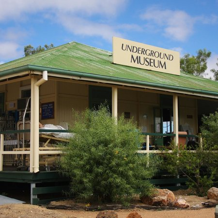 Mount Isa, Avustralya: Museum and entrance.