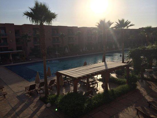 Hotel Les Jardins de l'Agdal : Coucher de soleil du premier étage. Balcon de la chambre